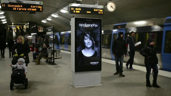 Hair-Raising Subway Ad Blows Away theCompetition